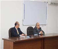 رئيس جامعة الدلتا التكنولوجية يجتمع بأعضاء هيئة التدريس والجهاز الإداري