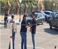 وليد منصور أول الحاضرين لتشييع جثمان شقيق رامي صبري بمسجد الشرطة