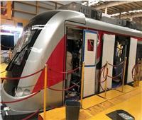 وزير النقل يكشف موعد وصول أول قطار كهربائي خفيف LRT