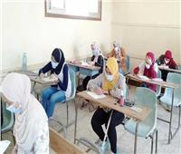 5910 طالب وطالبة بالثانوية العامة يؤدون امتحان اللغة الفرنسية بقنا