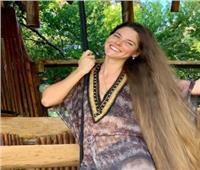 يتخطى مترين تقريبا..عارضة أزياء روسية تكشف سر طول شعرها