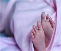 إستخراج جثة طفلة رضيع من قبرها بعد دفنها بثلاثة أيام بأبو المطامير