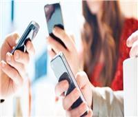 أستاذ قانون: المراهقون يفتحون تطبيقات السوشيال ميديا «24 ساعة في الـ24»