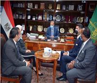 محافظ القليوبية يلتقي متدربي البرنامج الرئاسي في ختام زيارتهم للمحافظة
