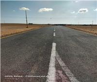 محافظ مطروحربط ٥٠ تجمعا صحراويا بالطرق الرئيسية
