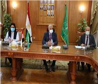 رئيس جامعة المنوفية يعقد لجنة البرامج الخاصة بكلية الآداب