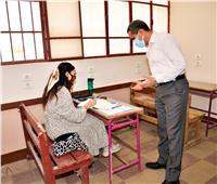 محافظ الغربية يتفقد أداء طلاب القسم العلمي لامتحان الجبر بمدارس طنطا