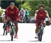 «عندما تجتمع القوة والسرعة معًا!».. ليفربول يغازل محمد صلاح وفان دايك