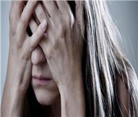 كيف تحافظ المرأة على سلامها النفسي؟.. استشاري طب نفسي يجيب |فيديو
