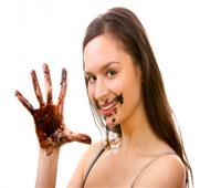 بـ«تسيح بسرعة»!.. أفضل طرق تناول الشوكولاتة في الصيف