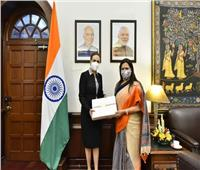 سفيرة مصر بنيودلهي تبحث أزمة سد النهضة مع وزيرة الشئون الخارجية الهندية