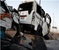 مصرع سائق وإصابة نجله في تصادم ميكروباص وتوك توك بسوهاج