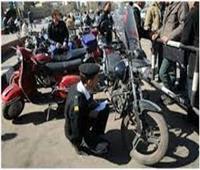 رفع 53 سيارة ودراجة نارية متهالكة لعدم استخدامها في أعمال إجرامية
