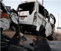 مصرع 3 أشخاص وإصابة 15 آخرين في حادث إنقلاب سيارة بالمنيا