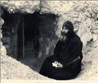 عاش 6 أعوام في مغارة.. رحلة البابا شنودة من «الرهبنة» حتى كرسي الكنيسة