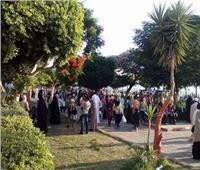 أهالي  المنيا يتوافدون على كورنيش النيل للاحتفال بعيد الأضحى | صور