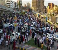 شباب مطرانية بنى سويف يقومون بتوزيع الكمامات على المصلين في عيد الأضحى
