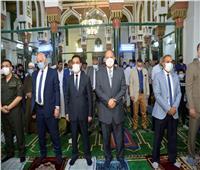 محافظ أسيوط يؤدي صلاة عيد الأضحى بمسجد ناصر