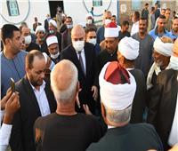 محافظ  قنا يؤدي صلاة عيد الأضحى المبارك بقرية «أبو حزام»