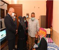 محافظ قنا يزور مستشفى نجع حمادي العام لتهنئة المرضي بعيد الأضحى