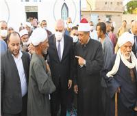 «الداودى» يشهد خطوبة فتاة يتيمة.. ومحافظ أسوان: 200 ألف جنيه لدعم لدارى رعاية