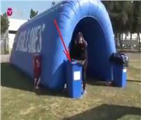 لاعب في تشيلي يحتفل بهدفه في سلة القمامة  فيديو