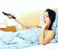 مشاهدة التلفزيون تشعرك بالإسترخاء ..6 خرافات حول النوم