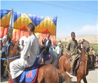 «اللفة بـ 5 جنيه».. ركوب الخيل بكورنيش المنيا فى ثاني أيام عيد الأضحى