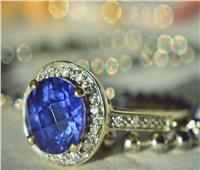 بمليوني يورو.. بيع قطعة ياقوت أزرق نادرة مثبتة على خاتم