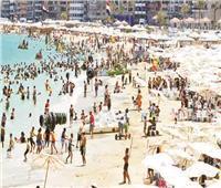 عيد المحافظات  شواطئ «الإسكندرية» تستقبل آلاف المصطافين