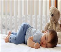أطعمة تساعد على نوم الطفل بشكل أسرع