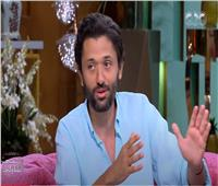 كريم محمود عبد العزيز: «عايز أروح لدكتور نفسي بسبب موسى»| فيديو