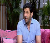 إياد نصار: «أبويا كان عصامي ونفسي أكون زيه»| فيديو