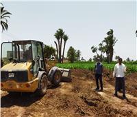محافظ أسيوط: إزالة 10 حالات تعد على الأراضي الزراعية ومخالفات البناء