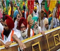 المزارعون الهنود يحتفلون بـ 8 أشهر من الاحتجاج على قوانين الزراعة