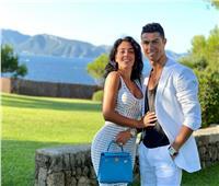 «رونالدو وجورجينا» يتبادلان الصور الرومانسية على «انستجرام»