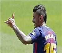 نجم برشلونة السابق ينضم للأهلي السعودي