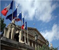 فرنسا تمرّر قانوناً يستهدف «الإسلام المتطرف»