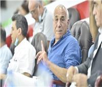 رئيس الزمالك يفاجئ اللاعبين في معسكر برج العرب بزيارة خاطفة |خاص