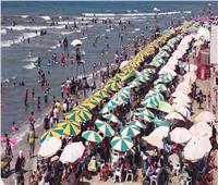 شواطئ رأس البر تستقبل آلاف المصطافين