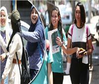 الفرح يكسو وجوه طلاب الثانوية بالمنيا بعد امتحان التاريخ