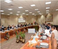 رئيس جامعة أسيوط يطالب بإعلان نتائج الكليات الأسبوع الجاري