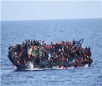 مصرع 57 مهاجرًا انقلب بهم القارب قبالة السواحل الليبية