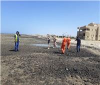 «حماية البيئة بالبحر الأحمر» تكشف عن سفينة مجهولة قذفت «جاز مختلط بشحوم»