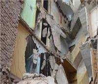 انهيار عقار مكون من 6 طوابق بالوراق