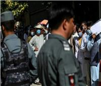 أفغانيون يقبلون بكثافة على طلب جوازات سفر تحسباً لسيطرة طالبان