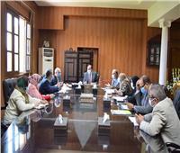 رئيس جامعة بني سويف يشهد اجتماع لجنة المنشآت