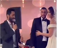 تامر حسني يٌشعل الأجواء بحفل زفاف هاجر أحمد
