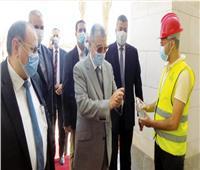 شاكر يكشف تفاصيل أول يوم عمل من مقر الوزارة بالعاصمة الإدارية | فيديو