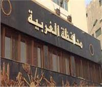 محافظة الغربية تبيع أشجار الكافور بعد قطعها.. والأهالي: «مذبحة للأشجار»